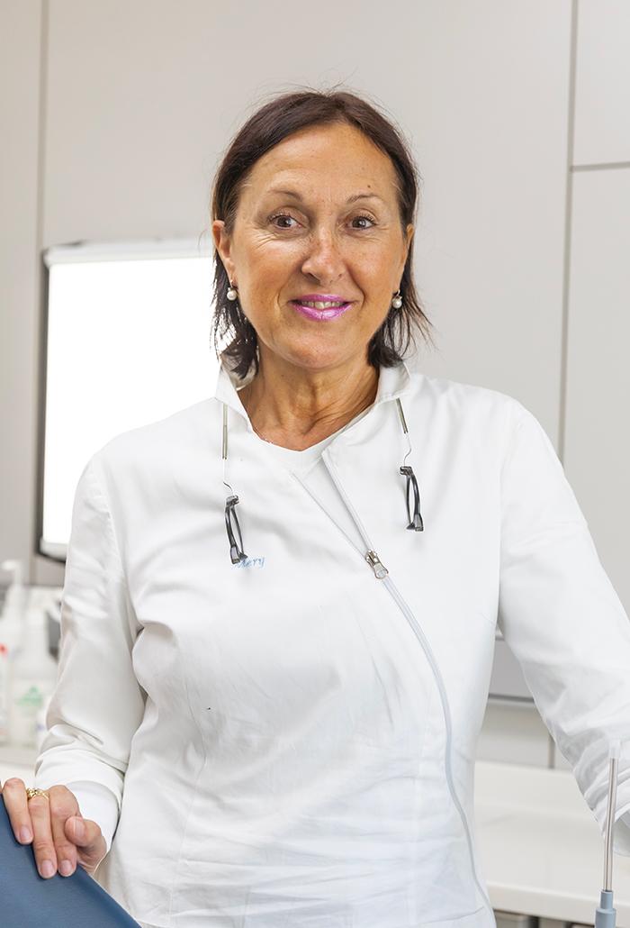 Maria Grazia Riva - Assistente alla poltrona, Responsabile assistenti alla poltrona